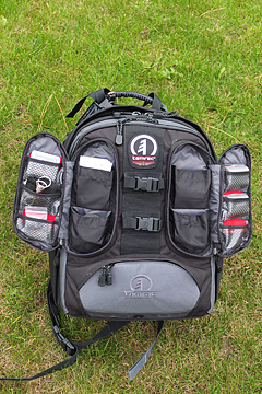Tamrac Expedition 6x - plenty of pockets for batteries, memory cards etc.