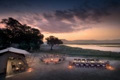 dinner by the zambezi, mana pools np